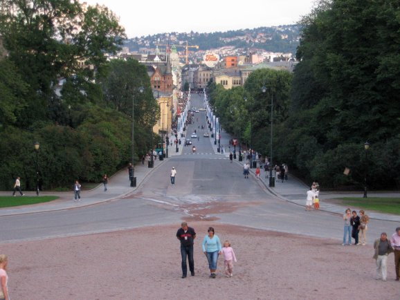 [Oslo and Karl Johans gate on August 2, 2006.]